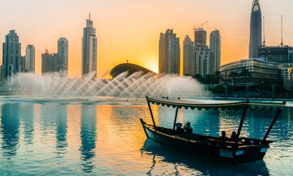 Traditional-Arabian-dhow-boat-Dubai-sunset-1073x745