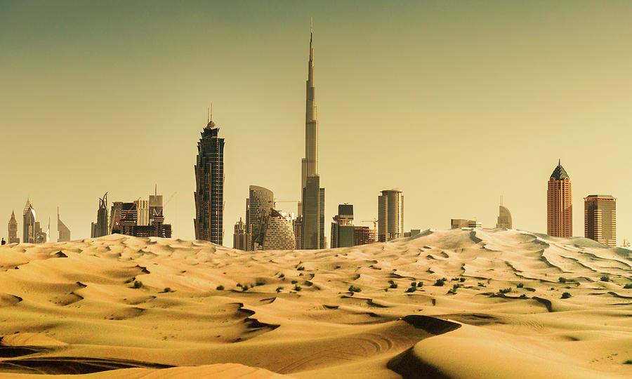 dubai-skyline-from-the-desert-franckreporter